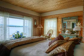 Waterfront Spindrift Suite